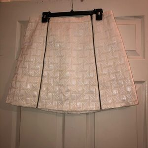 Cream textured symmetric skirt